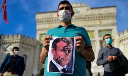 خشم جهان اسلام نسبت به امانوئل مکرون
