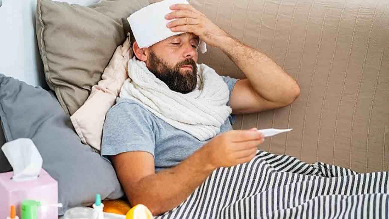 کارمند نگون بختی که همزمان آنفلوآنزا و کرونا را با هم گرفت