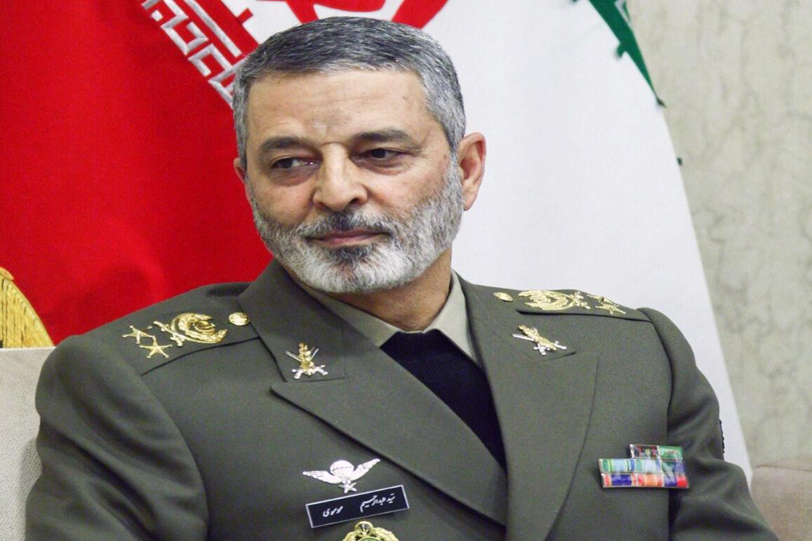 تقدیر فرمانده ارتش از رییس بنیاد شهید