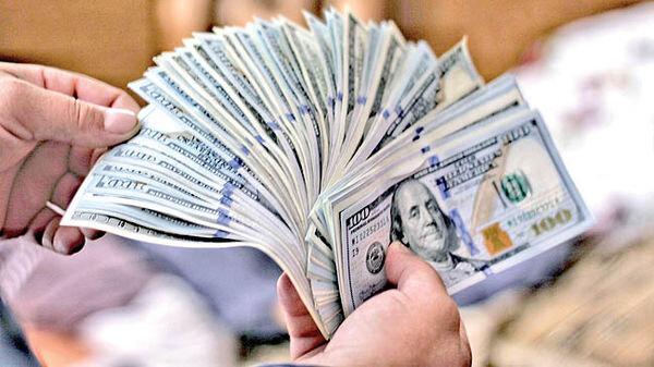 یک نماینده مجلس: ریزش قیمت دلار ادامه می یابد